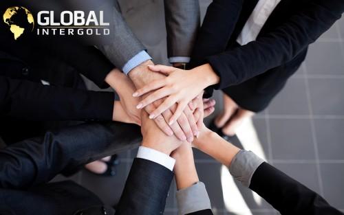 GlobalInterGoldteambuilding83fba.jpg