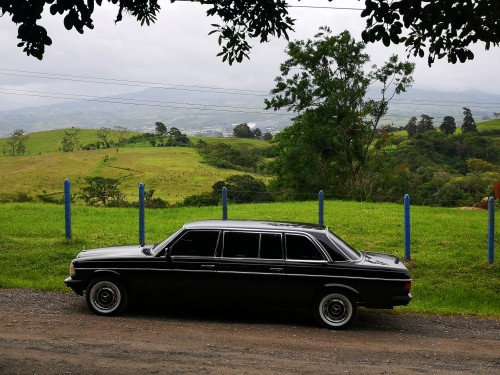 COSTARICACOUNTRYOROSI.MERCEDESW123LIMOUSINESCENICTOURS.jpg
