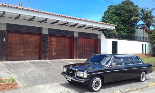 COSTARICAMANISONWITH3CARGARAGE.MERCEDES300DLIMOUSINESERVICE..jpg
