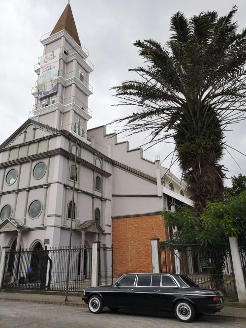 IglesiadeparaisodeCartago.COSTARICALIMOUSINESERVICE.300D.jpg