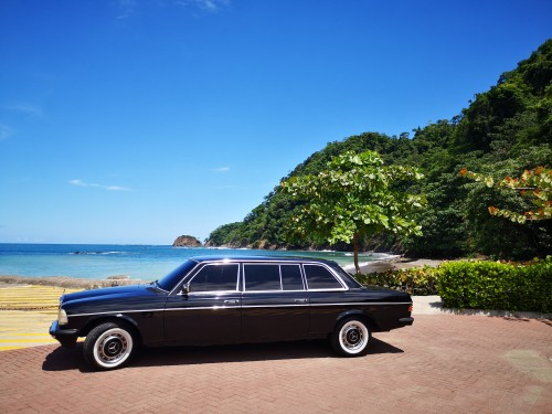 MERCEDES300DLIMOUSINEATTHEBEACHINCOSTARICA.jpg