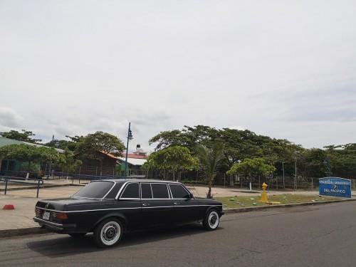 ParqueMarinodelPacifico.PUNTARENASCOSTARICAMERCEDES300DLANGLWBW123.jpg